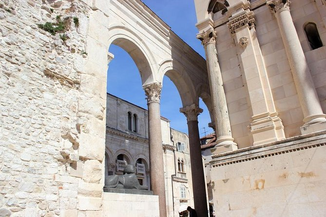 Robert Adam and His Storytelling about Antique Split - Walking Tour