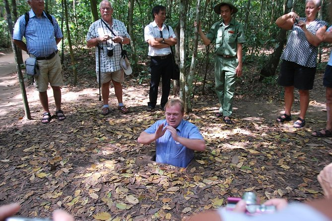Private Day Trip to Cao Dai Temple and Cu Chi Tunnels from HCM City