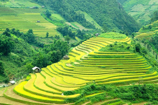 Private Tour Sapa 2 days 1 night