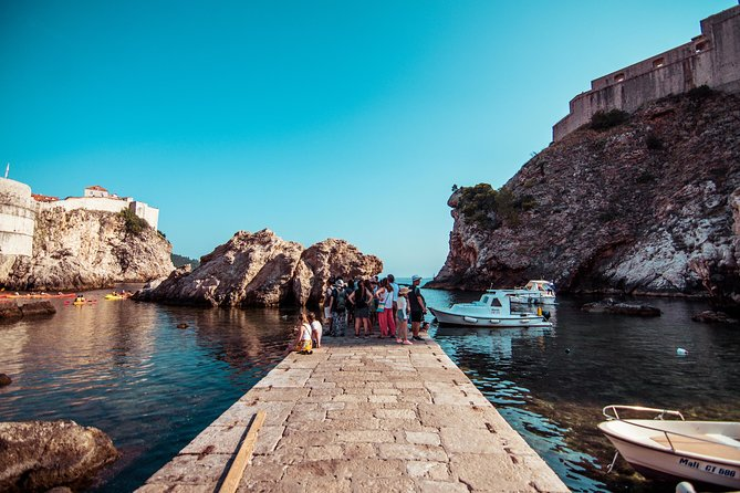 Dubrovnik Walks - Game of Thrones 2 h Walking Tour + Iron Throne Photo