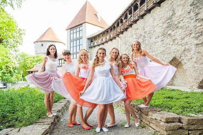 Tallinn Photo Tour with Family or Friends