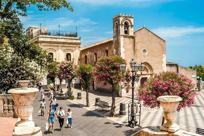 Private Tour of Taormina and Castelmola with Optional Food and Wine Tasting