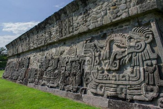 Day Trip to Xochicalco Ruins and Hacienda Vista Hermosa from Acapulco