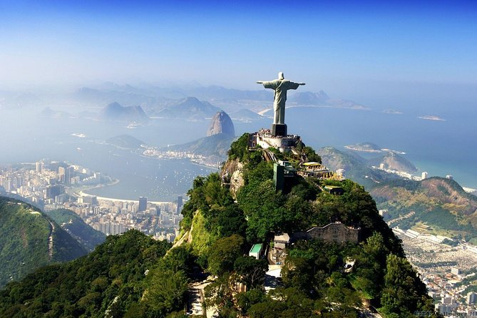 Small-Group Classic Rio Tour Including Christ the Redeemer, Sugar Loaf Mountain, and Santa Teresa Art District