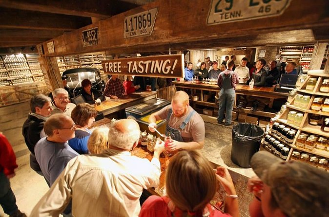 Day Tour: Moonshine and Wine Tasting from Pigeon Forge