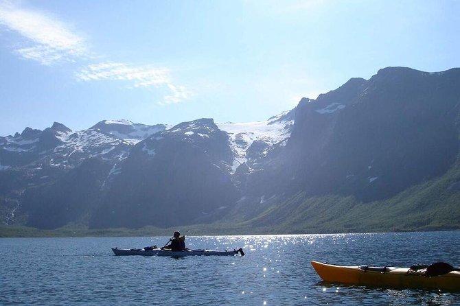 Zeekajakken in de fjorden van Noord-Noorwegen vanuit Tromsø