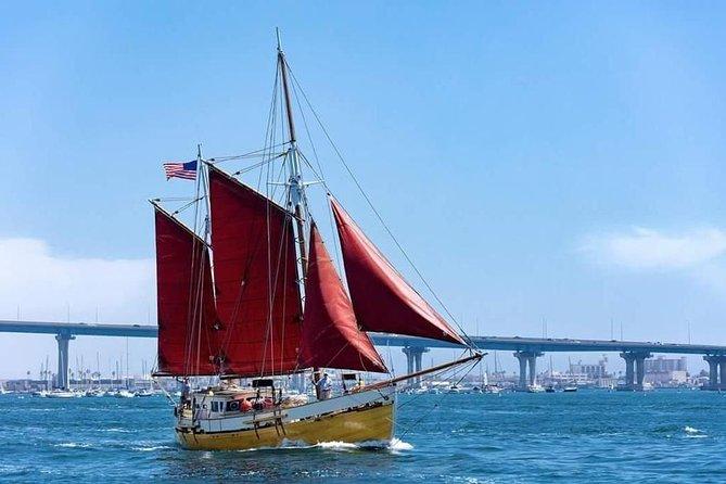 Luksus Scenic Sailing Tour