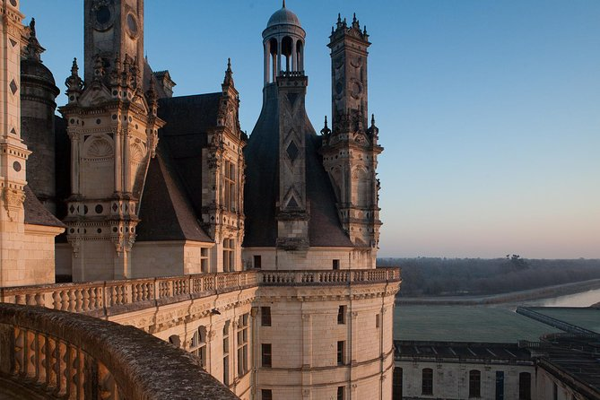 VIP Private day tour to the Loire Valley - Castles, Wines & Michelin restaurant