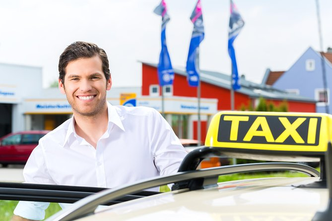 Keflavik International Airport Private Taxi Transfer