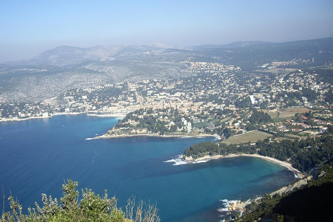 Small Group Bandol and Cassis Wine Tour with Tasting from Marseille