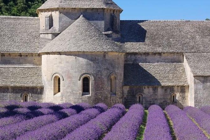 Take this tour in the summer and stop for photos at Senanque Abbey