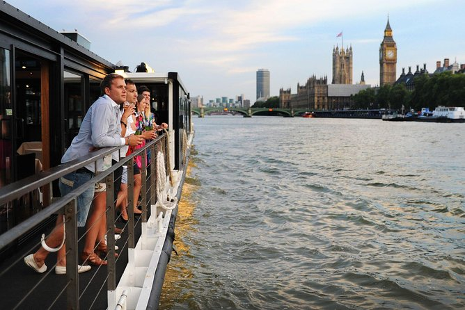 London Thames River Dinner Cruise with Live Entertainment