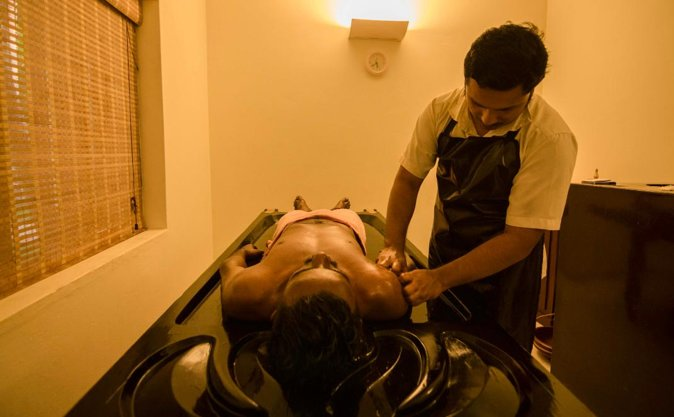 Pamper yourself with an Ayurvedic massage therapy in Mararikulam photo 1