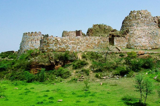 A history walk through the forts and tombs of Tughlaq dynasty photo 3