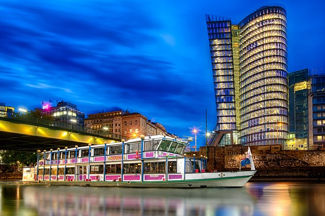Vienna Evening Sightseeing Cruise Including Music and Dinner