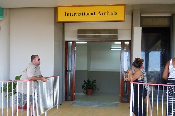 Shared Arrival Transfer: Belize International Airport to San Ignacio Hotels