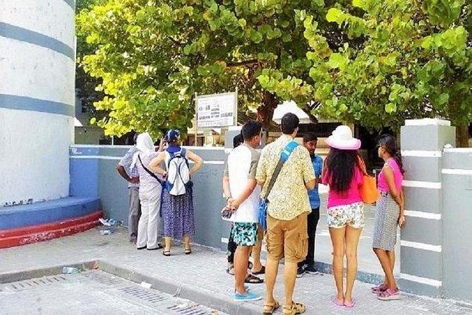 Excursão a pé por Malé e lição de Dhivehi no idioma local