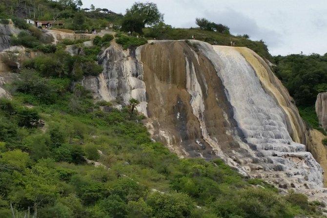 Hierve el Agua, Mezcal Tasting, and Teotitlan del Valle Tour from Oaxaca