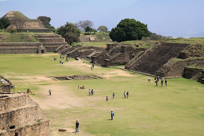 Monte Alban Archaeological Site and Oaxaca Artisan Towns Trip