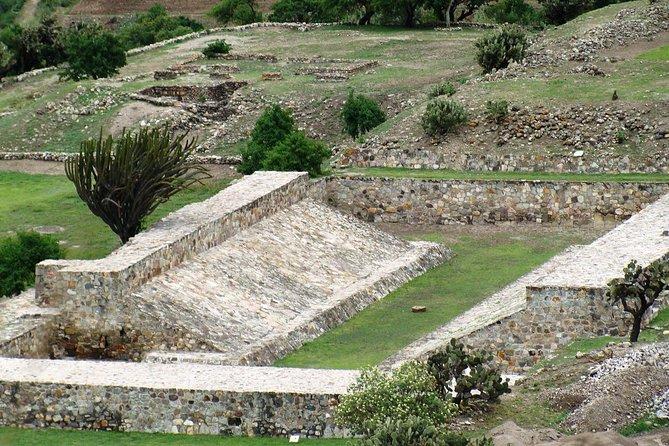 Excursión de un día a los yacimientos arqueológicos de Monte Albán, Atzompa, Yagul y Mitla