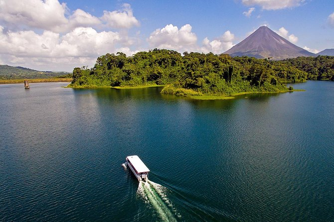 Arenal lake boat transfer from to Monteverde from La Fortuna