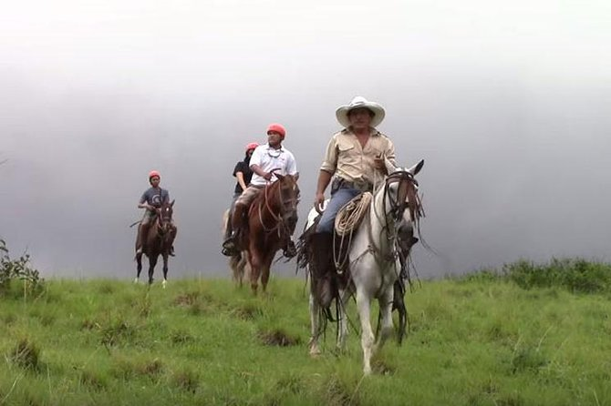 Horseback Riding, Zipline and Hot Springs Tour in Guanacaste