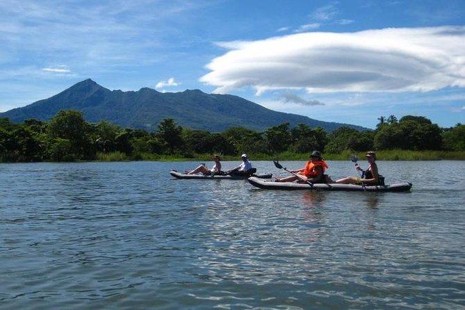 Full day Kayaking and animals, birds watching tour at Arenal lake from San Jose