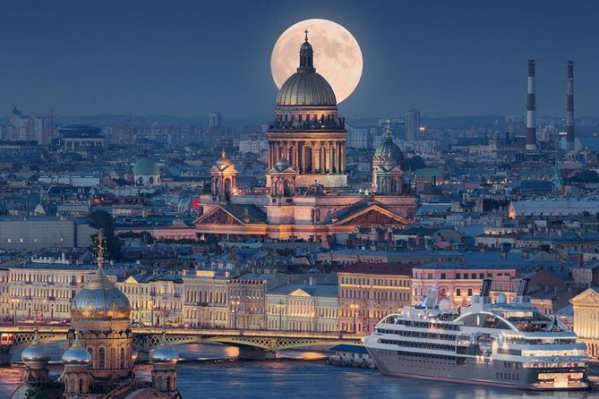 Private St. Petersburg Tour with Boat Ride