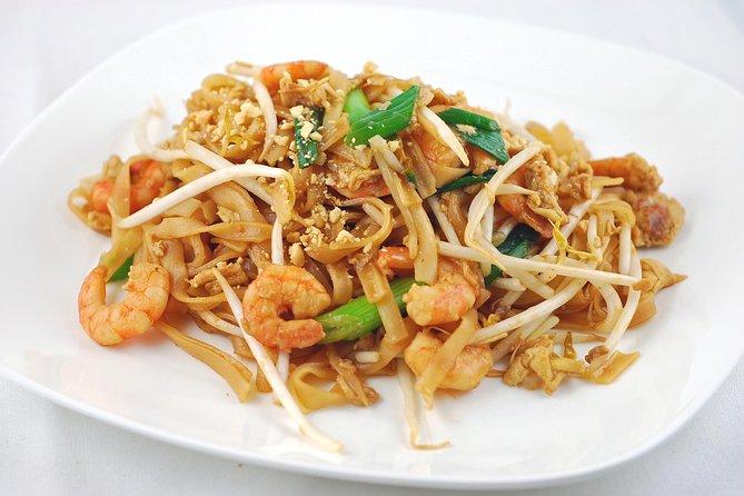 Excursión gastronómica nocturna en Bangkok, incluido el paseo en tuk tuk