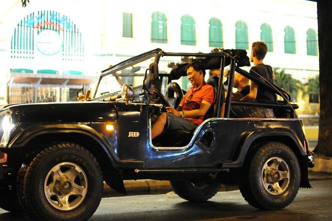 Private Jeep City Tour Saigon by Night and Skybar Drink