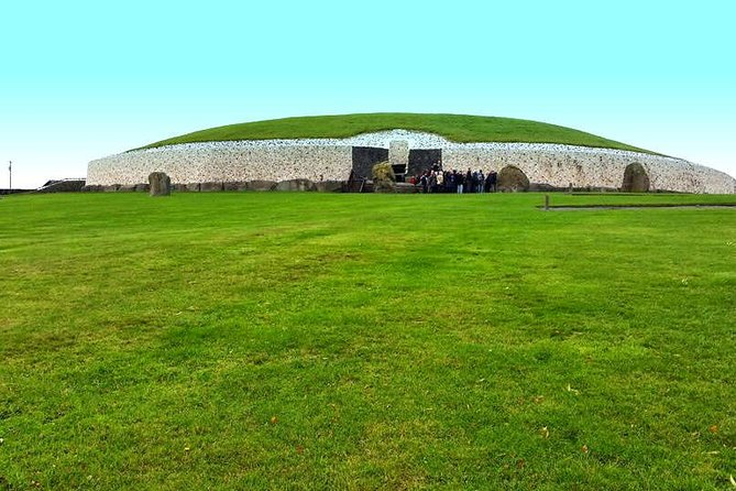 Day Trip from Dublin : New Grange , Knowth, Trim Castle and the Hill of Tara
