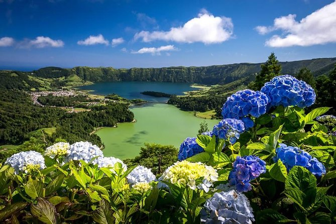 Walking tour to Sete Cidades with picnic lunch photo 1