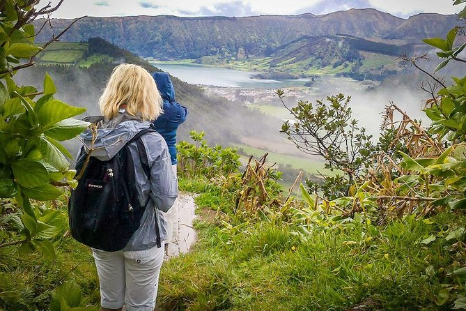 Walking tour to Sete Cidades with picnic lunch photo 2