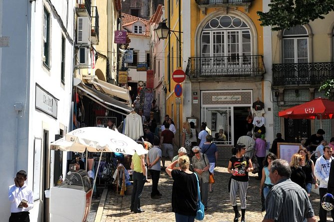 Excellent Small-Group Tour to Sintra, Pena Palace, Queluz Palace and Cascais