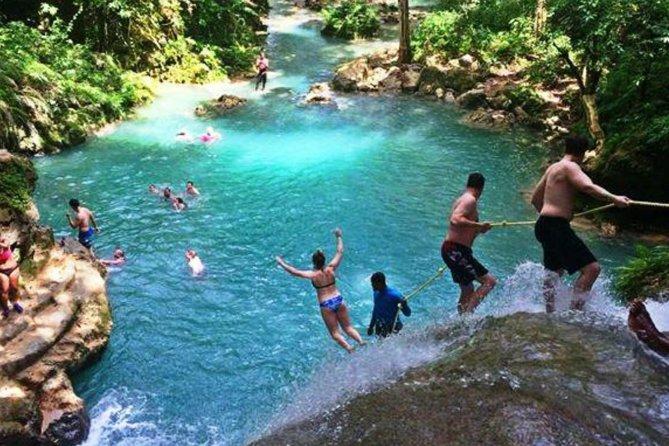 Combo nas Cataratas do Rio Dunn e Blue Hole