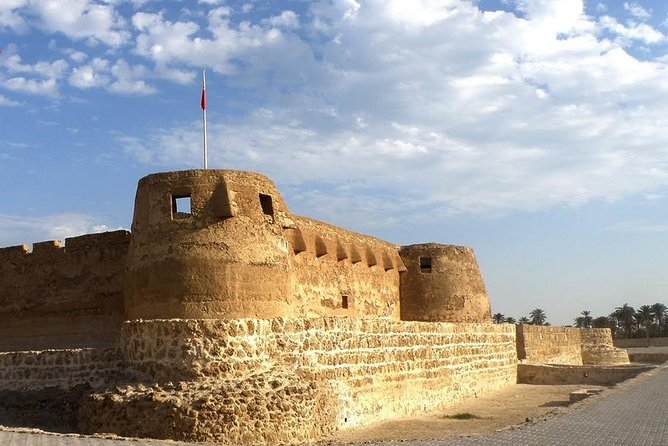 Manama Delmon Civilization Private Tour Including Bahrain Fort