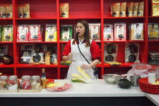 Kimchi School & Hanbok Experience _imparare a fare sessioni fotografiche in kimchi e costume coreano