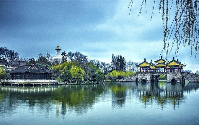 Private Yangzhou Hightlight Tour with Boat Ride on the Slender West Lake