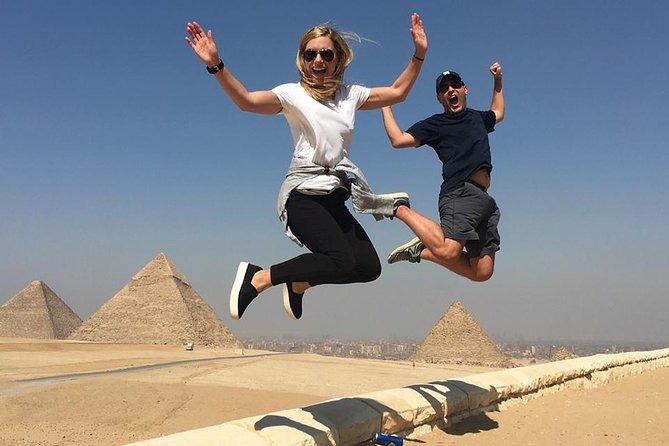 Cairo layover visting Giza pyramids and sphinx tours