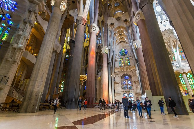Fast Entry Sagrada Familia Guided Tour - English Only