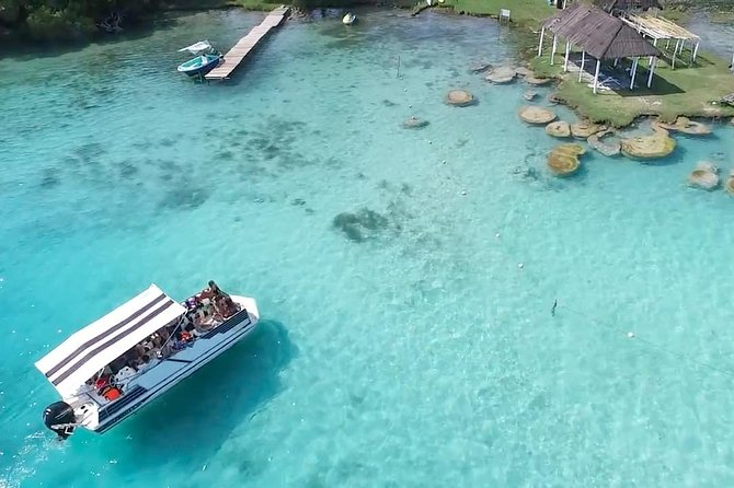 Bacalar Lagoon Sightseeing Boat Tour wtih Open Bar