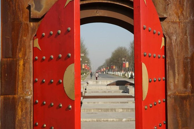 Private Family Day Tour in Da Ming Palace National Park with Art Factory Dinner