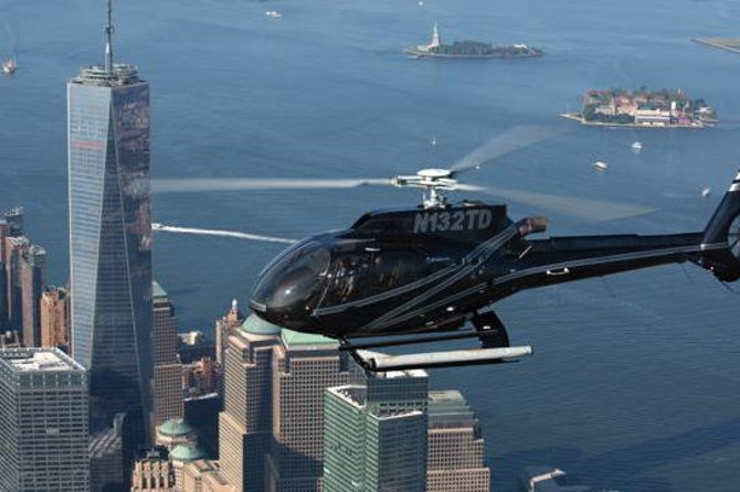 New York Helicopter Flight and Statue of Liberty Cruise