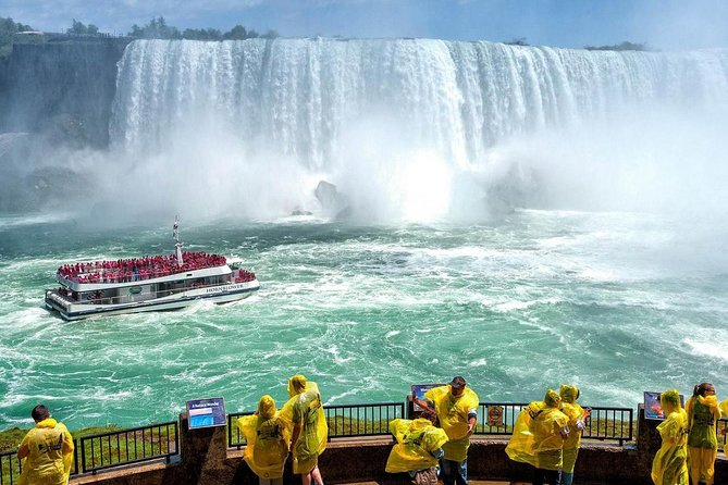 Niagara Falls Tour with Boat Cruise, Journey and Fallsview Lunch from Toronto