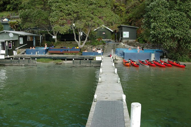 Lake Rotoiti Guided Hot Pools Kayak Trip