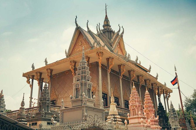 Private Langka Temple Meditation Tour in Phnom Penh