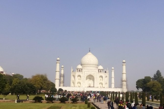 Taj mahal & Agra fort same day tour from Delhi.