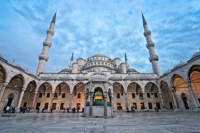 Excursão privada: Excursão turística de um dia inteiro por Istambul, incluindo Mesquita Azul, Santa Sofia e Palácio de Topkapi