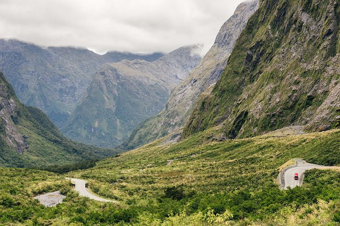 Milford Sound Day Trip by Land, Sea and Air from Queenstown with Nature Cruise