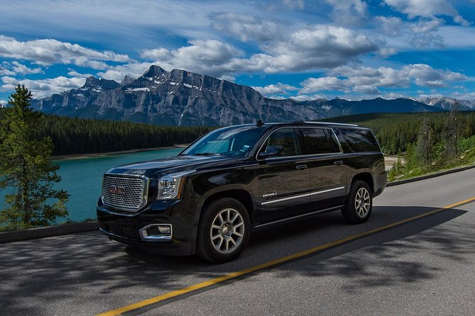 Private SUV Transfer: Calgary International Airport to Banff Hotels